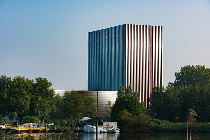 Datacenter AM4, Amsterdam